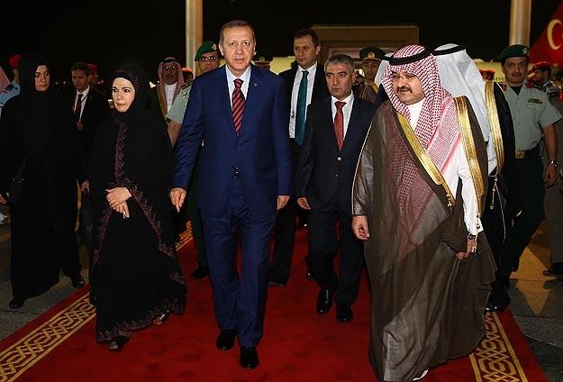 Erdoğan Kabeyi ziyaret ederek umre yaptı
