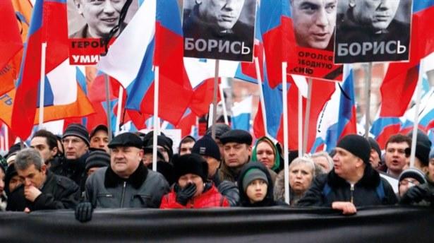 Moskova ayakta