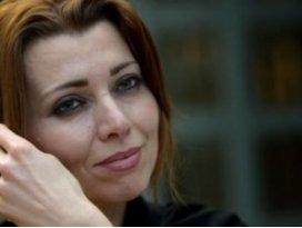 Elif Şafak İsveçte Erdoğan ve Türkiyeyi karaladı