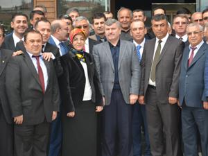 AK Partili başkanlar esnafla buluştu