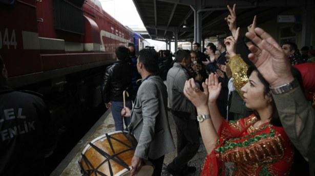 Barış Treni Diyarbakıra ulaştı