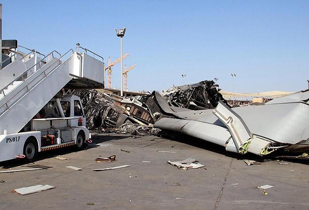 Libyada havaalanına bombalı saldırı