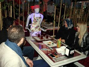 Konya'da robot garsonlar iş başı yaptı