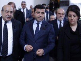 HDP tarihi bir hatadan döndü!