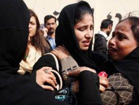 Pakistanda işçi çadırına saldırı: 20 ölü