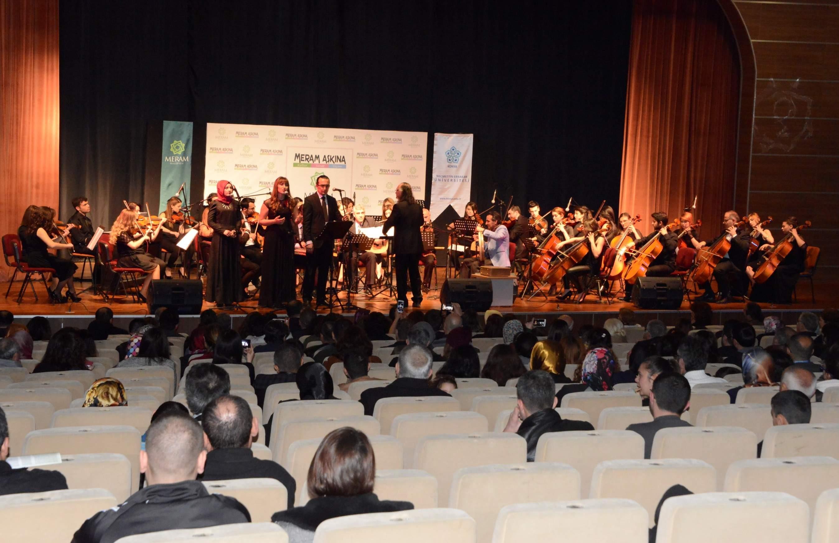 Meramda NEÜ orkestrasından konser