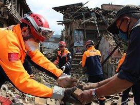 Nepalde Türk ekipleri çalışmalarına devam ediyor