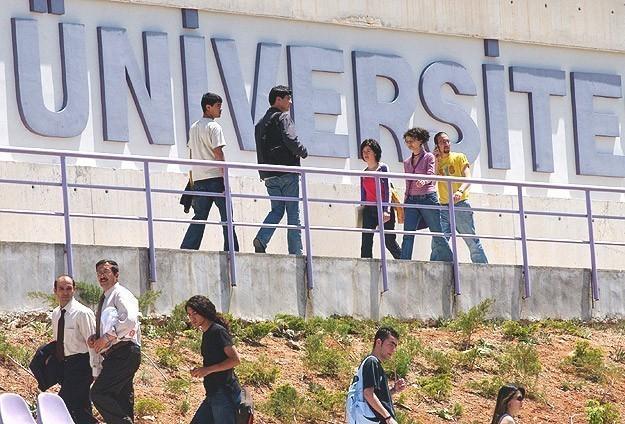 Türkiyeden 3 üniversite ilk 100e girdi