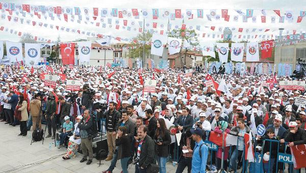 Provokasyon tutmadı işçi bayram etti