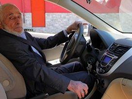 Rizede yılın şoförü 95 yaşındaki Hızır dede
