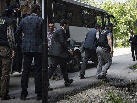 Usulsüz dinleme soruşturmasında 10 tutuklama