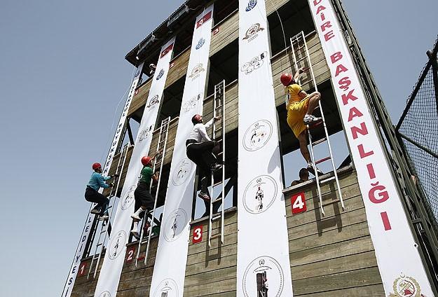 İstanbulda itfaiyeciler yarışıyor