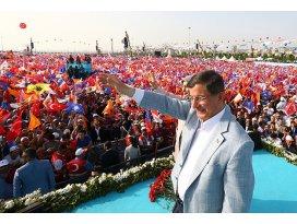 Davutoğlu İstanbulda milyonlara seslendi