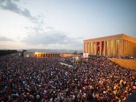 Anıtkabirde 17 yıl sonra ilk konser