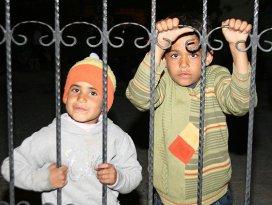 İzmirde 46 kaçak yakalandı