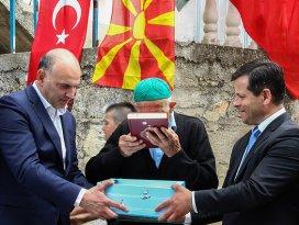 Davutoğlu Makedonya Türklerine verdiği sözü tuttu