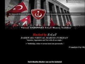 Türk hackerlar Kanadada 40 siteyi hackledi