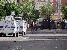 Diyarbakırdaki saldırıyla ilgili 14 kişi yakalandı
