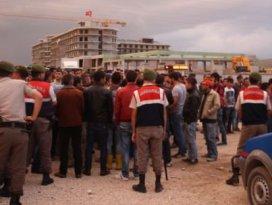 Öcalan posterini duyan inşaata koştu