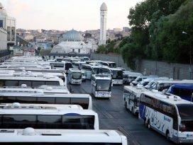 Yolcu otobüslerinde biletler tükeniyor