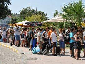 Komşudaki kriz Türk turiste yaradı