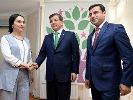 Davutoğlundan üçüncü ziyaret HDPye
