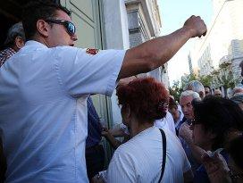 Yunanistanda bankalar açıldı