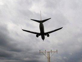 İran Suriyeye Afgan uçağıyla savaşçı taşıyor