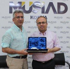 MÜSİAD Konyada Cuma Konferansları sürüyor