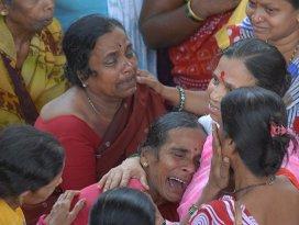 Hindistanda tapınakta izdiham çıktı: 11 ölü