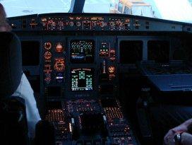 Allkollü pilot ve mürettebata hapis cezası