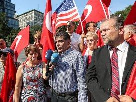 New Yorktaki Türkler terörü lanetledi