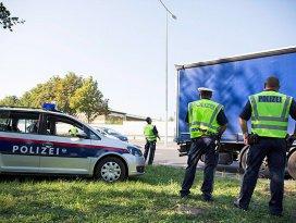 Avusturya polisi sığınmacı alarmında