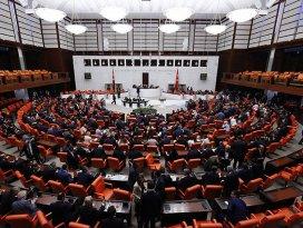 Bağımsız bakanlar yemin etti