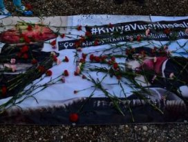 Suriyeli minik Aylan için ağlatan şiir