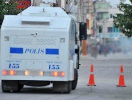 Mersinde polise silahlı saldırı