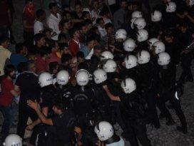Konyada vatandaşlar HDP İl Başkanlığına yürüdü