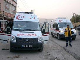 Cizrede teröristler ambulans yağmaladı