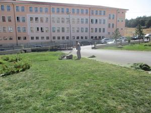 Beyşehir Belediyesi okul bahçeleri için seferber oldu