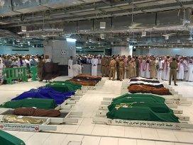 2 Türk hacı adayının cenazesi defnedildi
