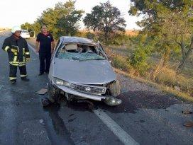 Karapınarda otomobil devrildi: 2 yaralı