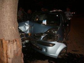 Konyada otomobil ağaca çarptı: 1 yaralı