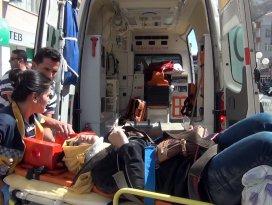 Konyada otomobil yayalara çarptı: 4 yaralı