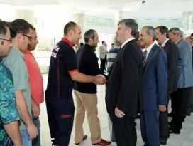 Başkan Akyürek Belediye personeliyle bayramlaştı