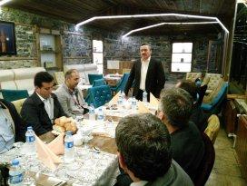 Başkan Tutal okul müdürleri ile yemekte buluştu