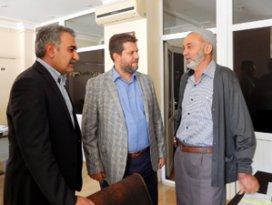 AK Parti Meram çalmadık kapı bırakmıyor