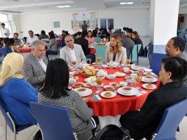 Filipinler Cumhuriyeti Ankara Büyükelçiliğinden NEÜ'ye ziyaret