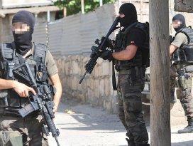 6 şehirde PKKya operasyon: 22 gözaltı