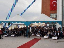 NEÜ'de akademik yıl açılış ve fahri doktora tevdi töreni yapıldı