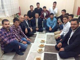 AK Gençlik Meram'dan öğrenci evlerine ziyaret